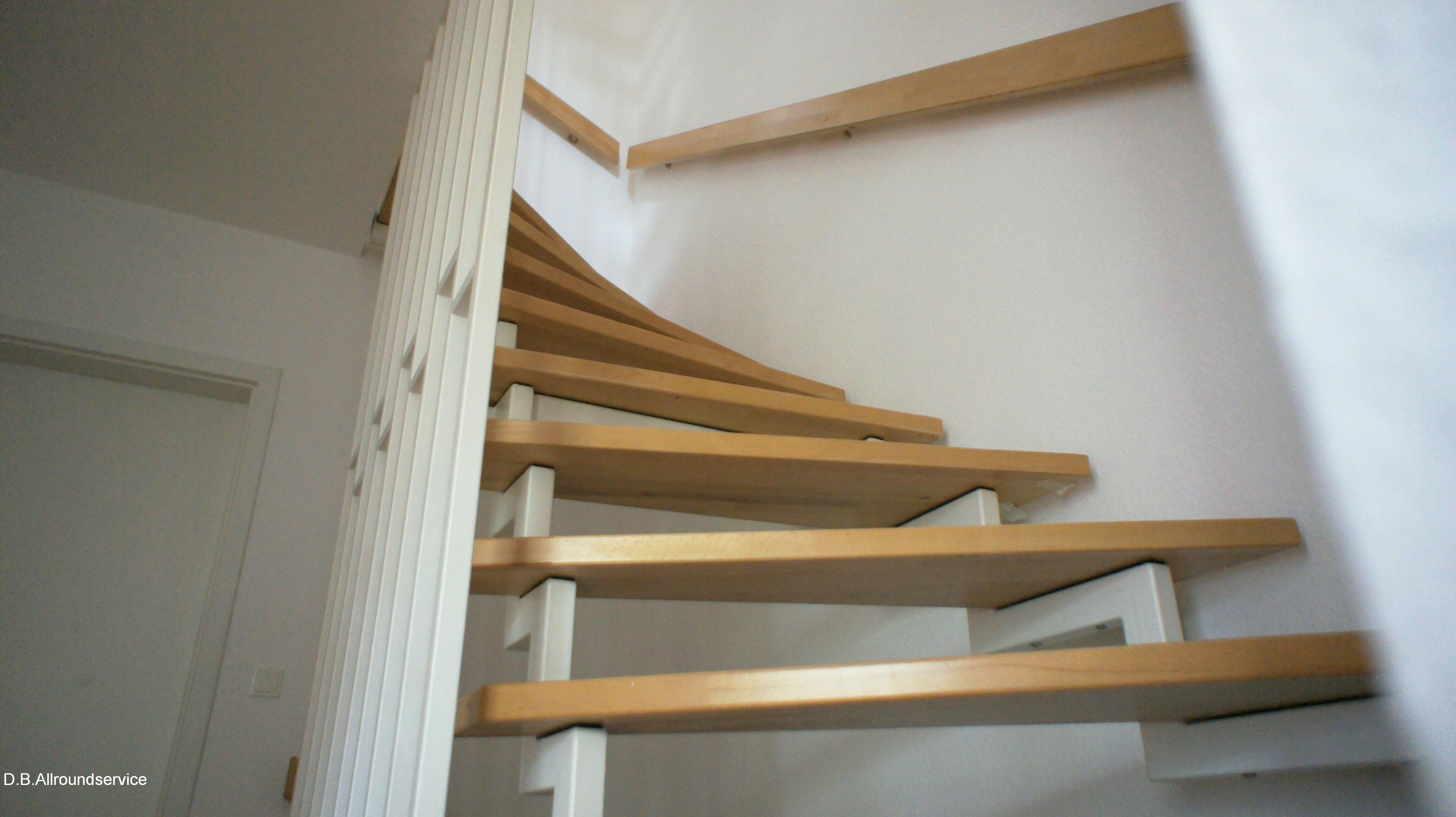 treppenstufen aus holz aufarbeiten abschleifen und. Black Bedroom Furniture Sets. Home Design Ideas