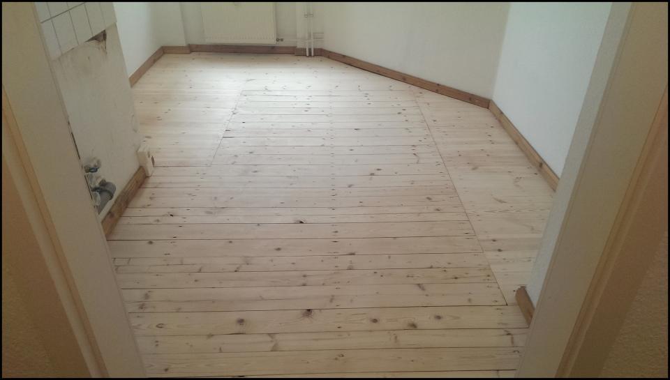 Holzfußboden Lackieren ~ Ihr handwerker in berlin dielen abschleifen und lackieren