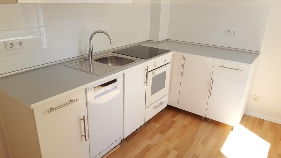 ihr handwerker in berlin renovierung einer wohnung mit neuem bad und k che. Black Bedroom Furniture Sets. Home Design Ideas